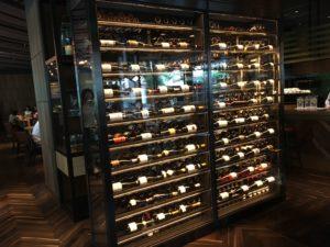 CRISTAの大きなワインセラー