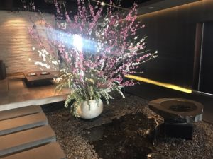 XEX ATAGO GREEN HILLS_店内の花