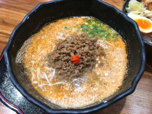 温かい担々麺