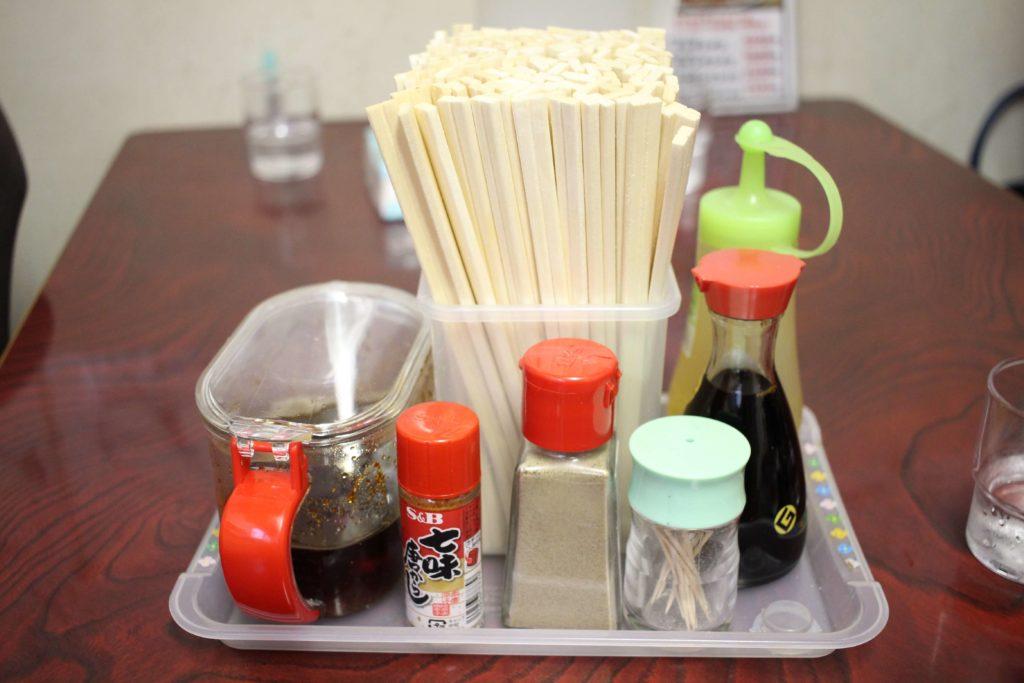 テーブル上には自家製ラー油