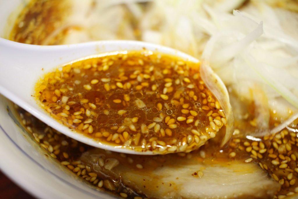 チャーシュータンタンメンのスープ