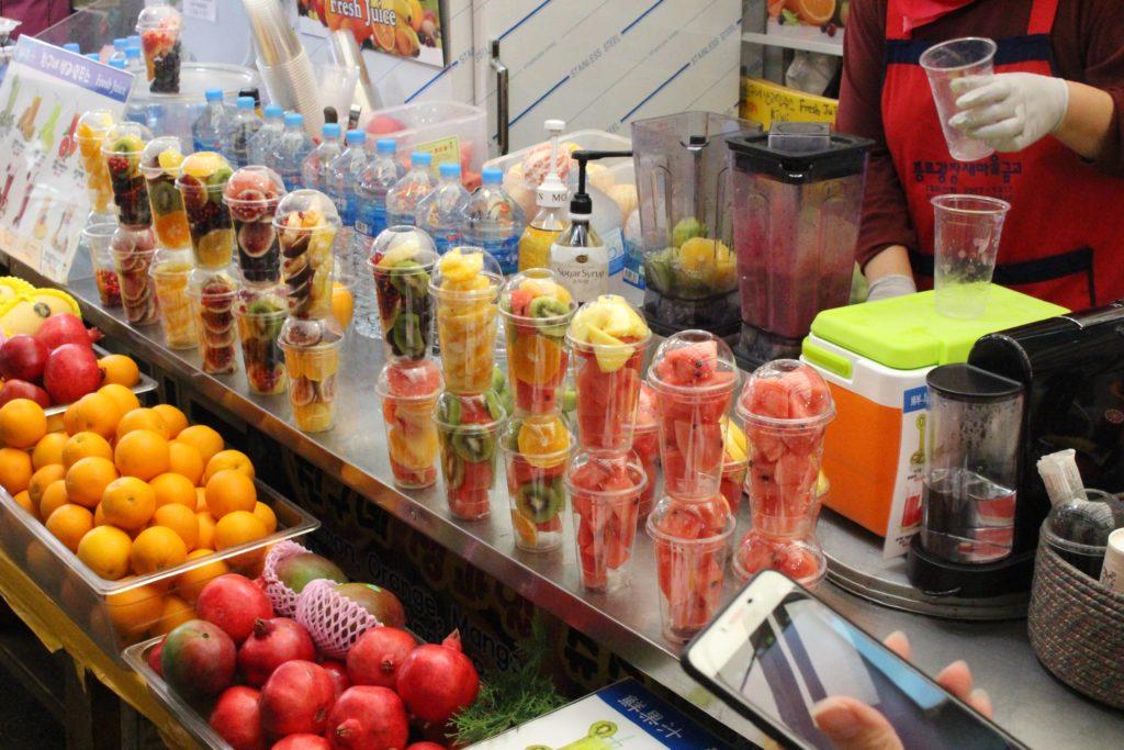 フルーツジュースの屋台